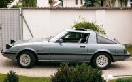 <h5>Mazda RX7 Wankel</h5><p>Bj. 1985, 2 x 573 ccm, 115 PS Zweischeiben-Wankelmotor, Targa-Dach</p>