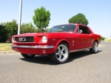 <h5>Ford Mustang Hardtop Coupe</h5><p>Bj. 1966, 5800 ccm, 350 PS</p>
